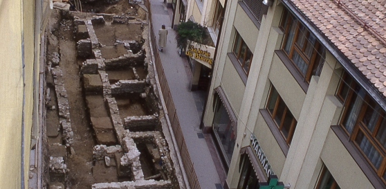View of the archaeological digs at the Rue de la Gare, 1992© Archeodunum SA